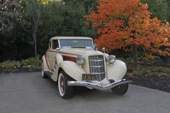 18-11-02-1935-Auburn-Coupe-851-Parked-in-driveway-with-fall-colors-in-Granite-Bay-CA-2-_MG_1999